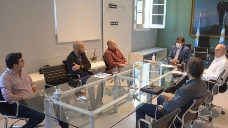 Gustavo Martínez y representantes del sector privado analizaron la moratoria municipal