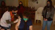 Barrio España: continuó la campaña integral de vacunación a adultos mayores