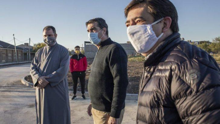 En compañía del intendente Martínez, Capitanich inauguró pavimento en el Llaponagat