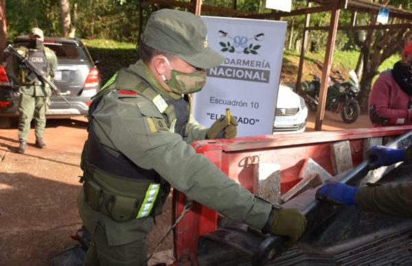 Gendarmería decomisó más de 100 kilos de marihuana 1