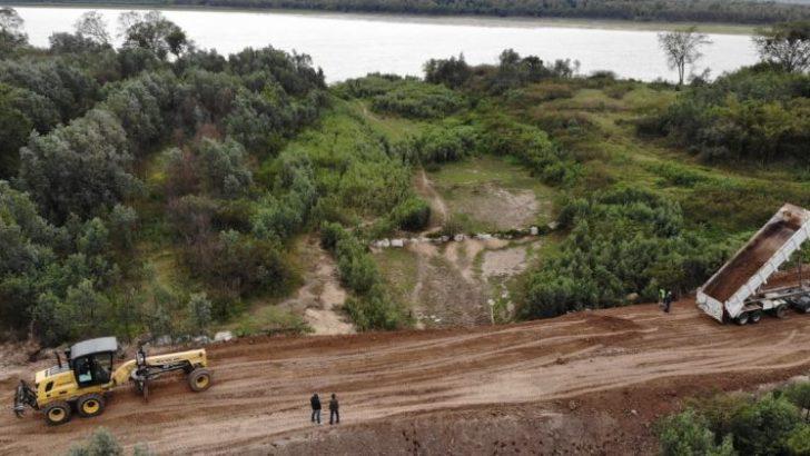 Isla Soto: Vialidad Provincial trabaja en la recomposición del camino
