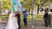 Se realizó el izamiento de la bandera de Resistencia en la plaza 12 de Octubre
