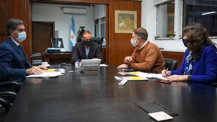 A través de un convenio, se buscan reactivar tres obras viales clave para la provincia