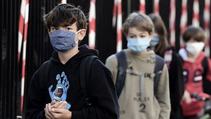 Covid 19 en el mundo: científicos ingleses advierten sobre un rebrote si abren las escuelas sin testear