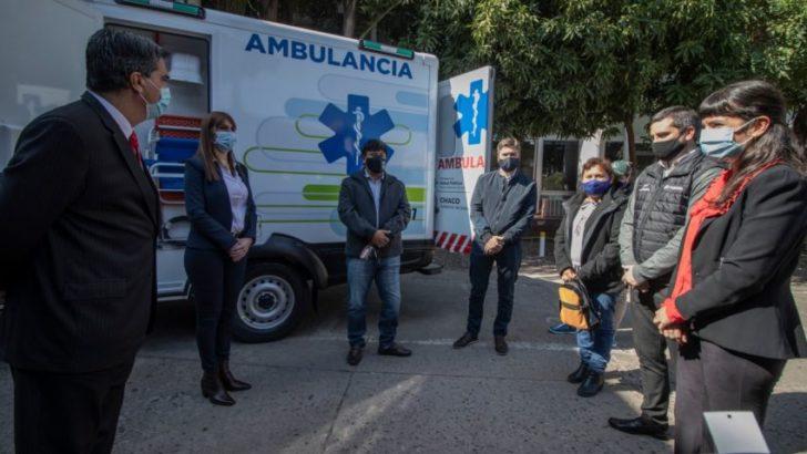 El Impenetrable: Provincia y Toyota entregaron una nueva ambulancia