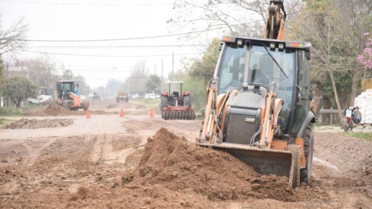 El Municipio capitalino puso en marcha un plan de mantenimiento para 6700 calles no pavimentadas de resistencia