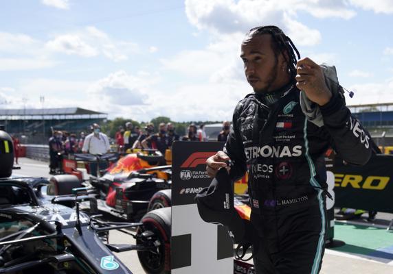 Hamilton «pole» y récord en la F1