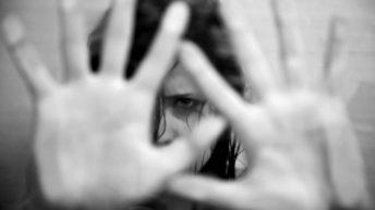 En cuarentena, crecieron 18% las llamadas al 144 por violencia de género