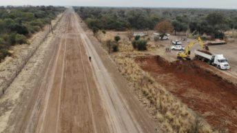 Ruta Provincial Nº 13: Vialidad ejecuta trabajos de movimiento de suelo para asegurar la transitabilidad