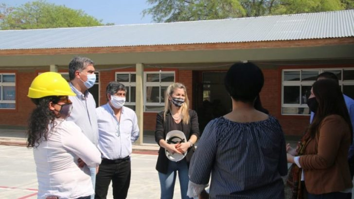 El gobernador supervisó las obras de ampliación y refacción de escuelas en 3 localidades del interior