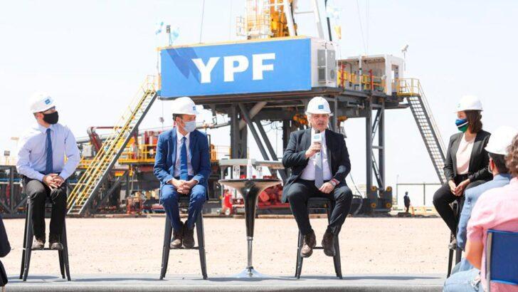 Alberto exhortó a «reconstruir YPF» para que «viva más fuerte que nunca»