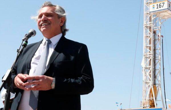 """Alberto exhortó a """"reconstruir YPF"""" para que """"viva más fuerte que nunca"""""""