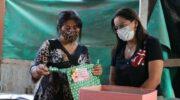 Barranqueras: la intendenta entregó presentes a las madres comerciantes de la ciudad