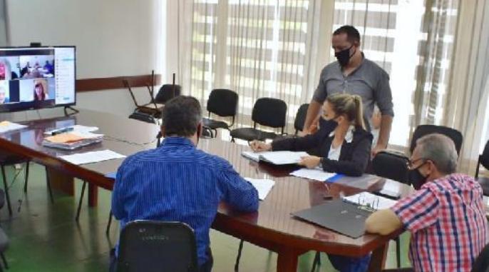 Hacienda y Presupuesto analizó varias iniciativas legislativas que esperan informes del Ejecutivo