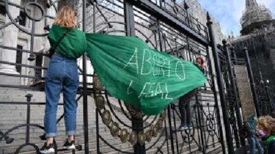 La ley de aborto «es un compromiso que he tomado»