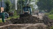 Obreros de la Municipalidad de Resistencia desarrollan un operativo de mantenimiento integral de la avenida Arribálzaga