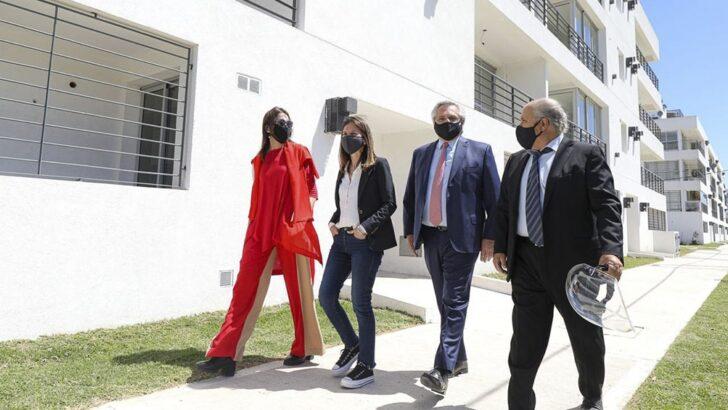 Procrear: Alberto entregó viviendas y pidió que «no nos hagan perder el tiempo en disputas que no existen»