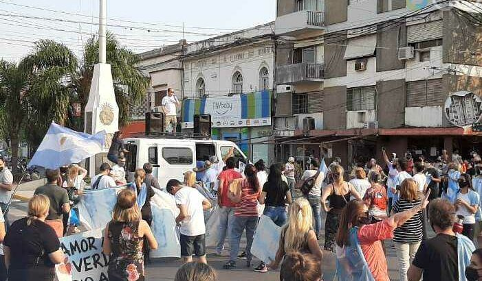Protestas y aglomeraciones: el Gobierno expondrá a ante la Justicia a quienes incumplieron el aislamiento