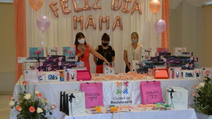 Resistencia: autoridades municipales entregaron premios a empleadas ganadoras del sorteo por el Día de la Madre