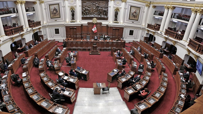 Crisis en Perú: tras la renuncia de Merino, el Congreso podría designar a una mujer como presidenta