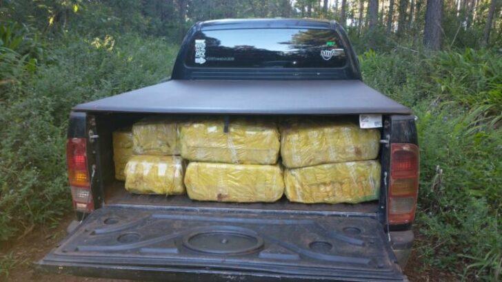 Embisten el control y abandonan una camioneta con más de 795 kilos de marihuana