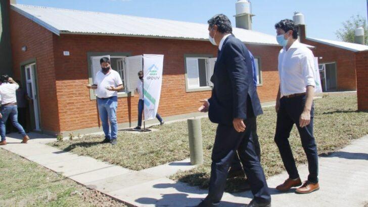 Entregaron viviendas Y habilitan una nueva red de agua en Lapachito