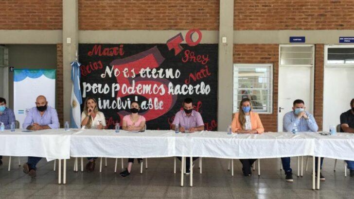 Fiestas de fin de año: la Provincia transferirá 7,4 millones de pesos a 30 municipios para llegar con la canasta navideña