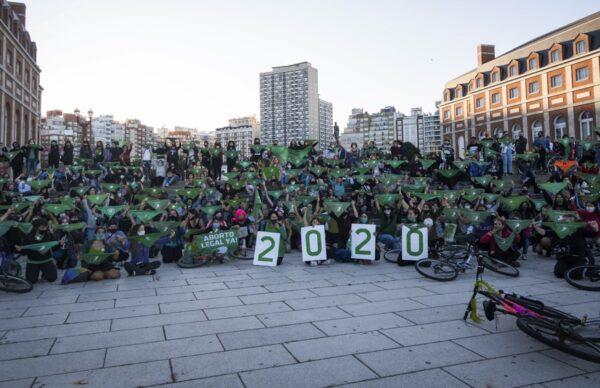 Frente al Congreso, miles de pañuelos verdes pidieron la legalización del aborto 2