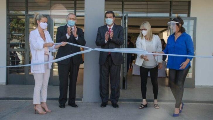 """Inauguraron la ampliación y refacción de la Escuela 36 de Fontana: """"queremos que vuelvan a estudiar en aulas cómodas"""""""