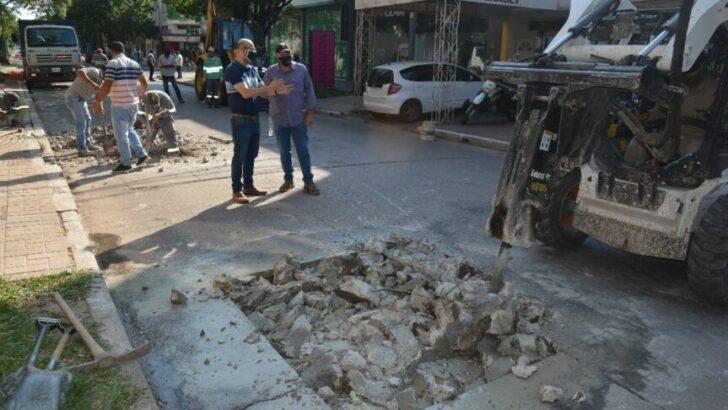 Resistencia: el Municipio avanza con obras de bacheo de calles y avenidas de mayor circulación vial