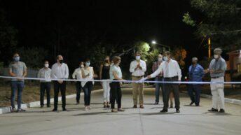 Colonia Benítez: Capitanich inauguró cuadras de pavimento, iluminación y mejoras en una plazoleta