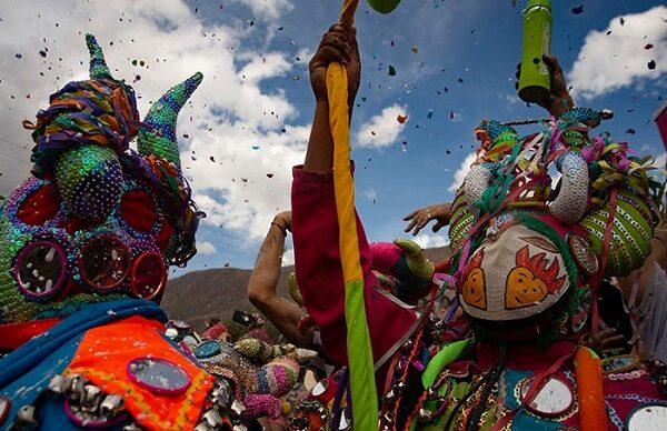 Desfile virtual de símbolos del carnaval 1