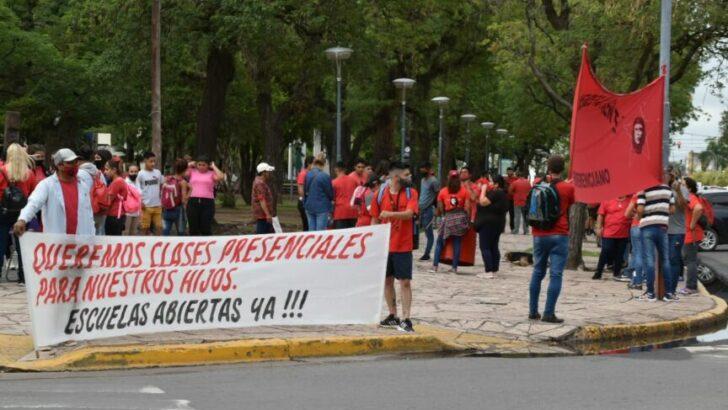 Mujeres del Movimiento Emerenciano se movilizaron solicitando al Estado provincial atención sanitaria y energética