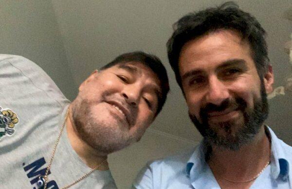 Peritaje caligráfico: investigan si falsificaron la firma de Maradona 1
