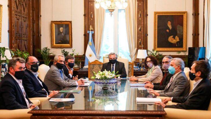 Alberto Fernández descartó la suba de las retenciones y la Mesa de Enlace se comprometió a analizar la estructura de costos de los alimentos