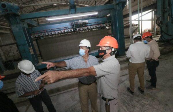 Empleo formal: Capitanich visitó una planta de fabricación de ladrillos 1