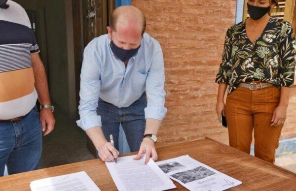 La Clotilde: firman convenio para la refacción del Registro Civil y la construcción de veredas 1