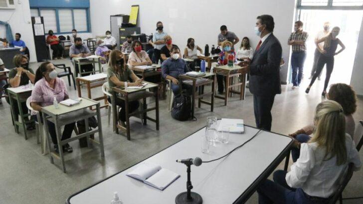 """La vuelta a clases: """"el inicio del ciclo lectivo es un compromiso colectivo, no solo es responsabilidad del Gobierno"""""""