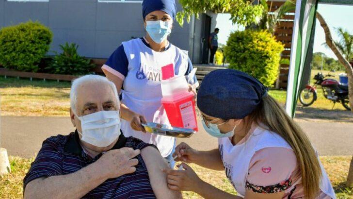 Este lunes 15 comenzará la vacunación domiciliaria para mayores de 80 años