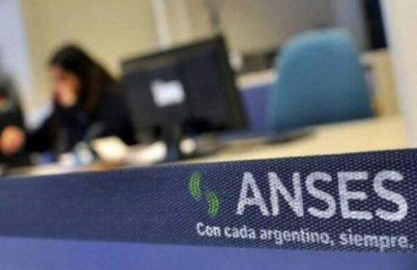 Para paliar las consecuencias de la pandemia, Alberto Fernández anunció una ayuda de 15 mil pesos a beneficiarios de asignaciones 3