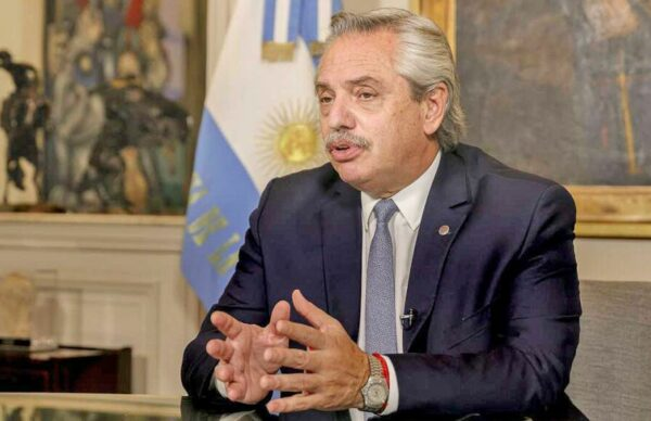 Para paliar las consecuencias de la pandemia, Alberto Fernández anunció una ayuda de 15 mil pesos a beneficiarios de asignaciones 4