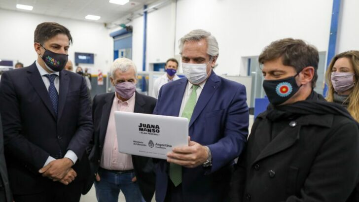 Alberto anunció la entrega de 633 mil netbooks a estudiantes secundarios