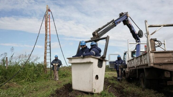 Ejecutan obras eléctricas que beneficiarán a 100 familias de Zaparinqui