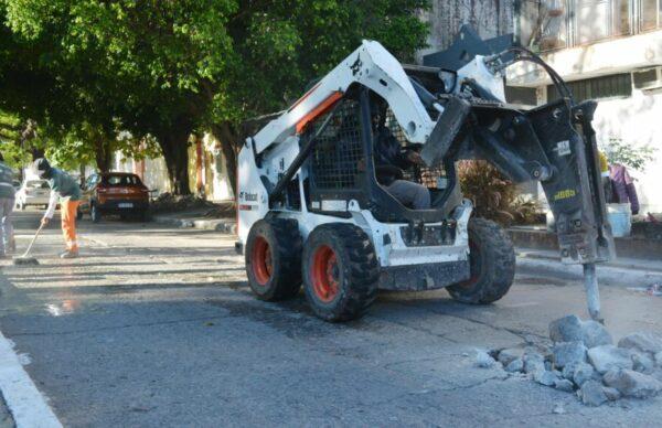 El municipio capitalino continúa con su plan de bacheo con materiales que permiten su habilitación en pocas horas 1