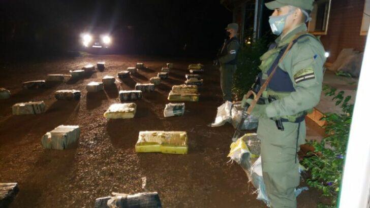 Misiones: Gendarmería secuestró 960 kilos de marihuana acopiados en el monte