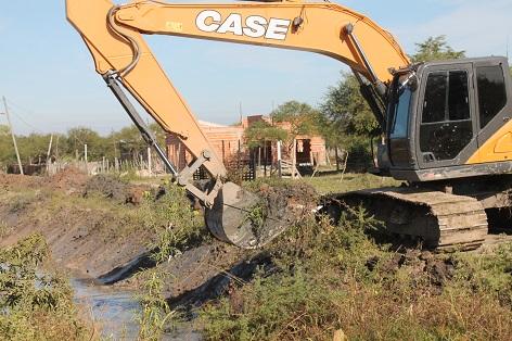 Resistencia: avanza el mantenimiento de los canales Quijano y 16, para la refuncionalización de los desagües