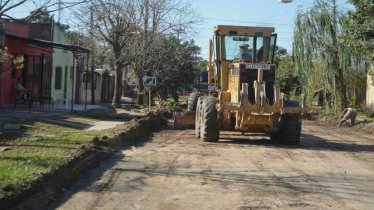 Barranqueras: comenzó la pavimentación de la calle Guido Spano