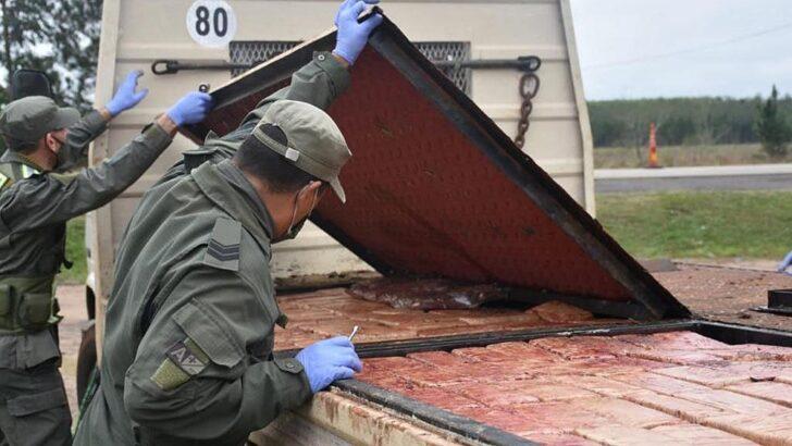 Corrientes: llevaba 175 kilos de marihuana ocultos en el piso falso de una grúa