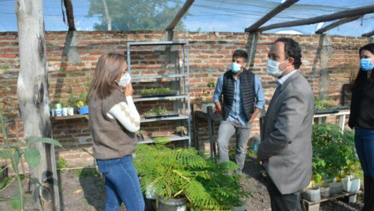 El Municipio de Barranqueras y la APA realizaron mantenimiento en la perforación que abastece con agua a la huerta y el vivero
