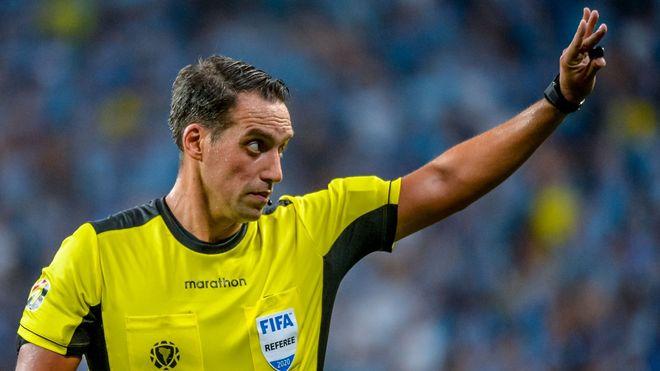 Eurocopa: gran debut de Fernando Rapallini como árbitro principal